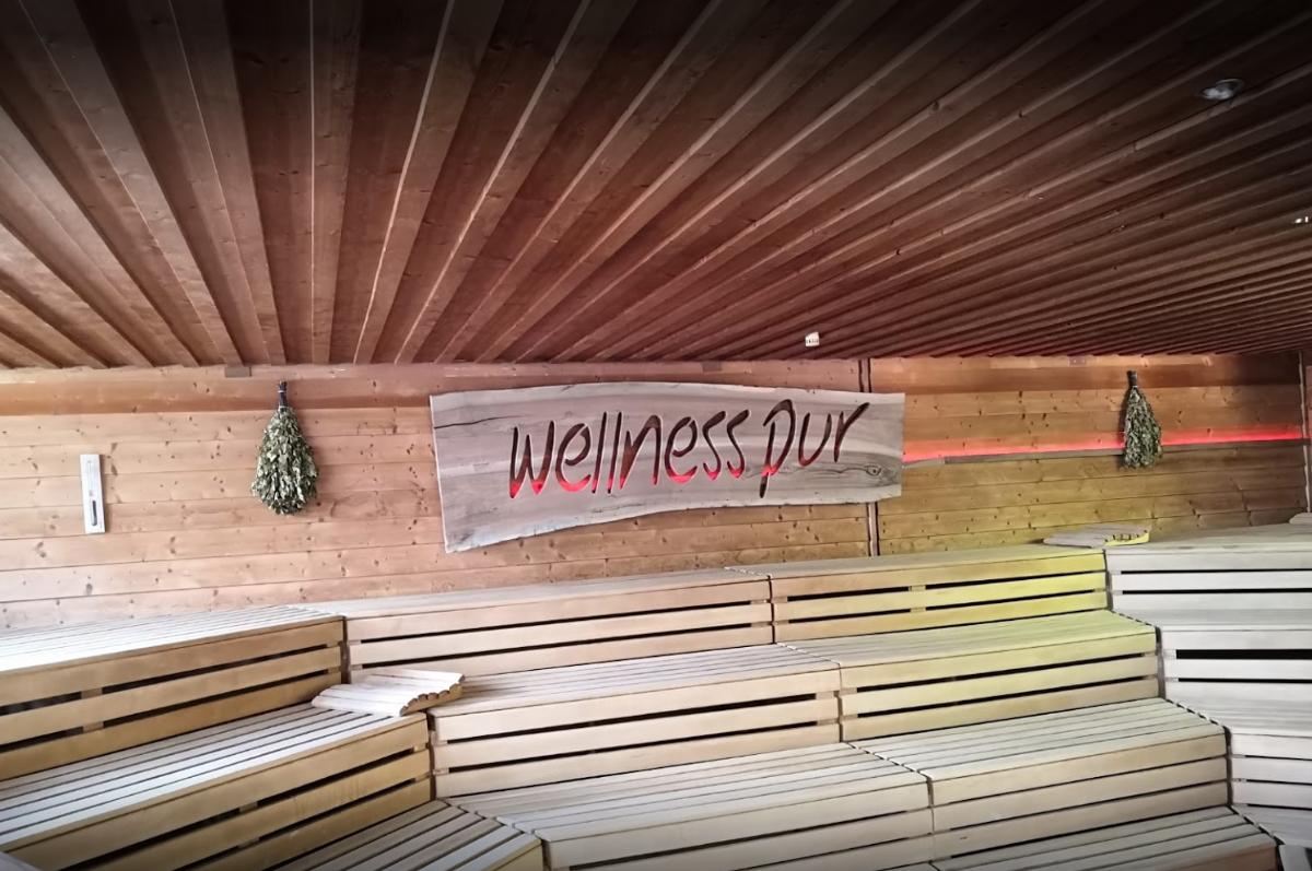 Saunawelt Wellness Pur in March bei Buchheim
